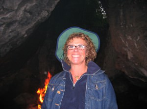 Gabi Strauss in Höhle